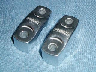87051:ハンドルアッパーホルダーセット(RSC刻印入)