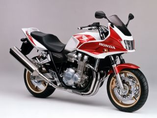 2005年 CB1300 SUPER BOL D'OR ABS・新登場