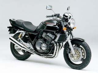 1992年 CB400 SUPER FOUR・新登場