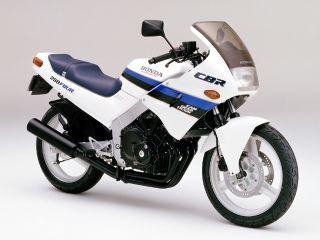 1986年 CBR250FOUR・新登場