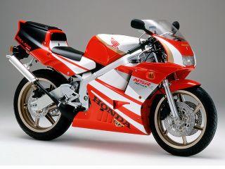 1990年 NSR250R SP・フルモデルチェンジ