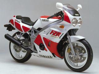 1986年 FZR400・新登場