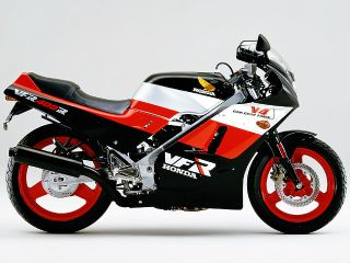 1986年 VFR400R・新登場