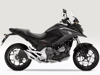2017年 NC750X Dual Clutch Transmission ABS E Package・カラーチェンジ