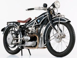 1923年 R32・新登場